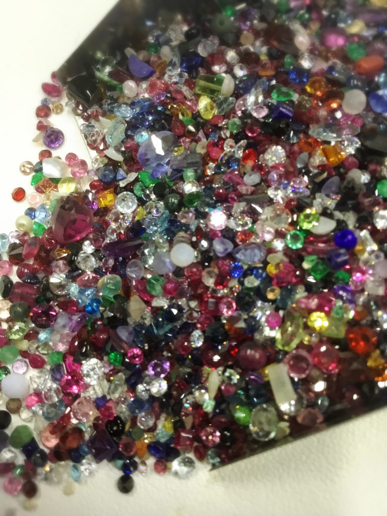 天然石とは「札幌の宝石(ジュェリー)買取専門店」